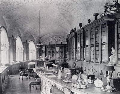 Большой дворец в Павловске. Интерьер библиотечного корпуса. Старая фотография